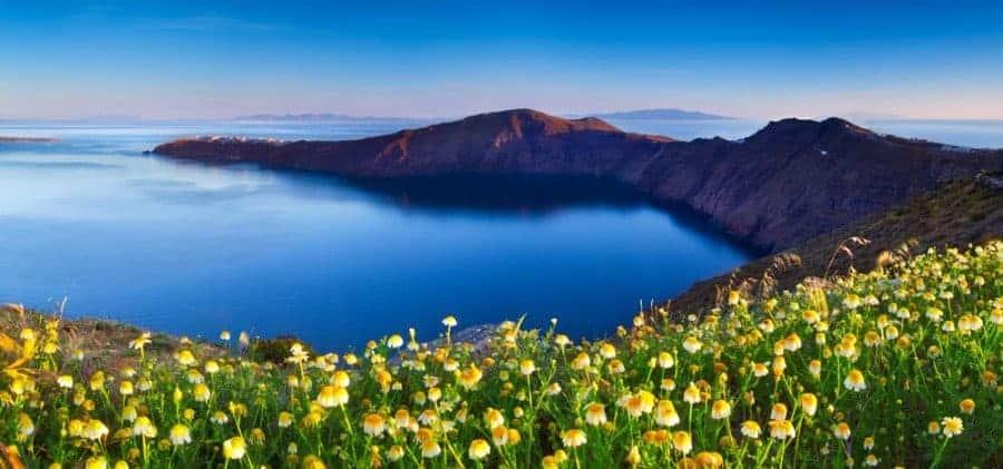 visit-santorini-discover-amazing-beauty1