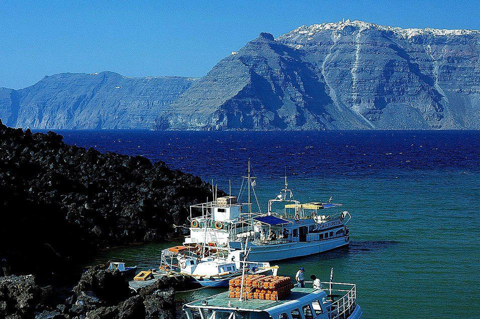 Awesome! The Top 9 Things to Do in Kamari, Santorini