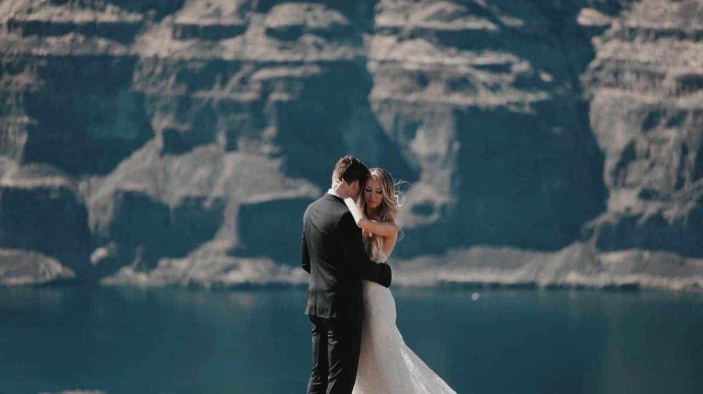 4 Ideas for an Unforgettable Wedding in Santorini