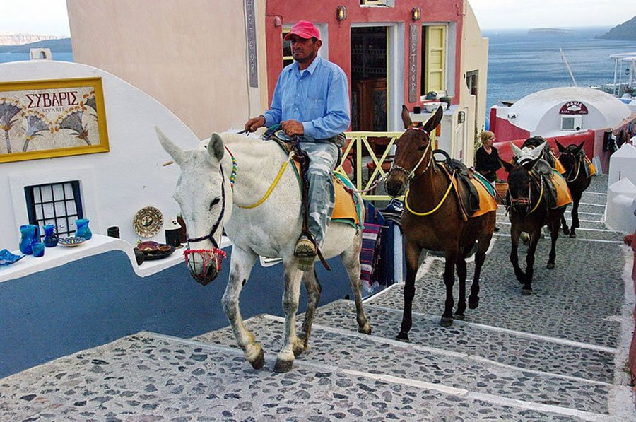 Transport Santorini Travel Tips